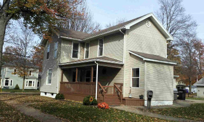 Hillsdale County Single Family Home For Sale: 208 Evans