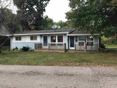 Hillsdale MI Single Family Home For Sale: $119,900