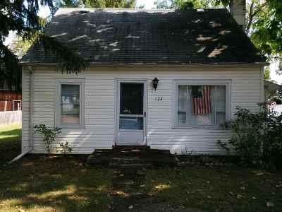 Mason Single Family Home For Sale: 128 N Rayner