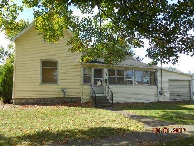 Single Family Home For Sale: 108 S Monroe