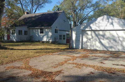 Single Family Home For Sale: 1132 Napoleon Rd