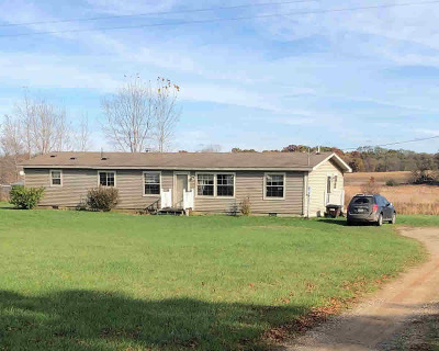 Jackson MI Single Family Home For Sale: $200,000
