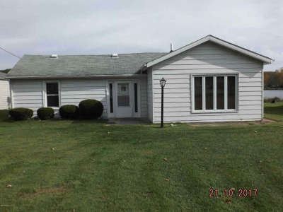 Reading MI Single Family Home For Sale: $156,500
