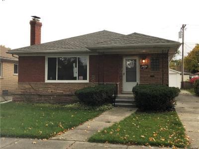 Oak Park Single Family Home For Sale: 24301 Dante St