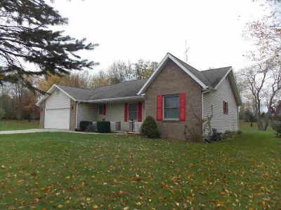 Hillsdale County Single Family Home For Sale: 2266 Pondbrooke Dr
