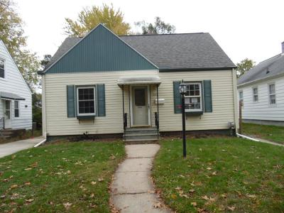 Jackson MI Single Family Home For Sale: $37,000