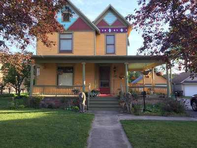 Single Family Home For Sale: 216 E Jefferson