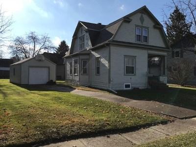 Single Family Home For Sale: 322 E Adrian