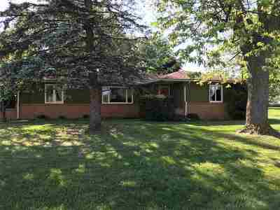 Hillsdale County Single Family Home For Sale: 3800 S Meridian