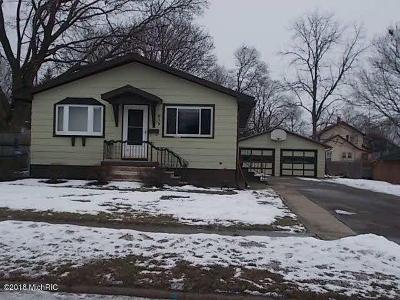 Jackson MI Single Family Home For Sale: $69,000