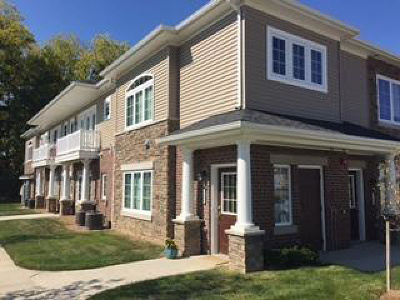 Washtenaw County Condo/Townhouse For Sale: 5662 Arbor Chase