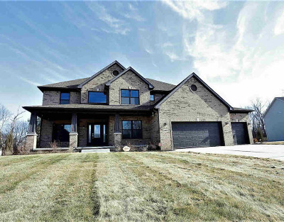 Washtenaw County Single Family Home Contingent - Financing: 1465 Whispering Maples Dr