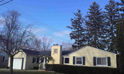 Hillsdale County Single Family Home For Sale: 9 E Lynwood Blvd