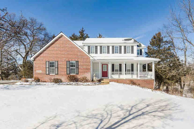 Washtenaw County Single Family Home Contingent - Financing: 14356 N Territorial Rd