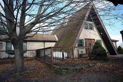 Washtenaw County Single Family Home For Sale: 7261 Hashley Rd