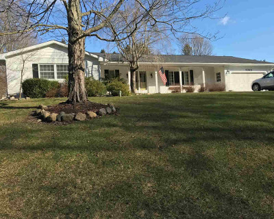 Single Family Home For Sale: 5345 Squires Manor Rd