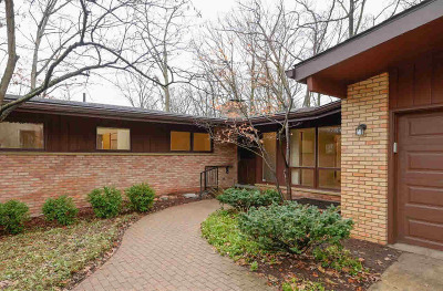 Washtenaw County Single Family Home Contingent - Financing: 3060 Exmoor Rd