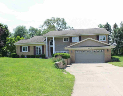 Single Family Home For Sale: 8262 S Jackson Rd