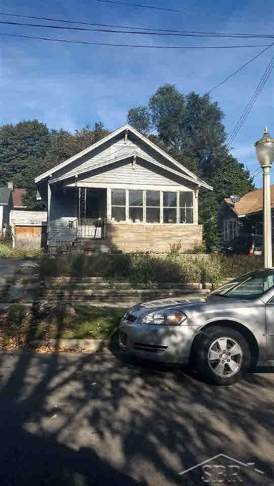 Lansing Single Family Home For Sale: 1107 Maryland