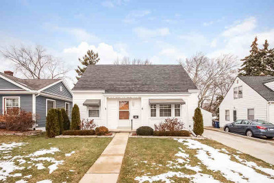 Washtenaw County Single Family Home Contingent - Financing: 510 Berkley Ave