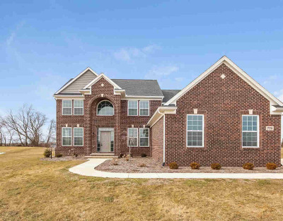 Washtenaw County Single Family Home For Sale: 770 Meadow Hill Rd
