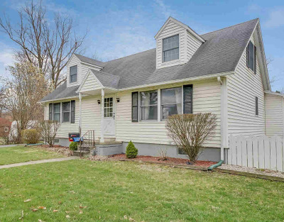 Chelsea Single Family Home For Sale: 629 W Middle St