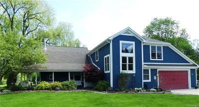 Northville Single Family Home For Sale: 18510 Ridge Rd