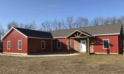 Reading MI Single Family Home For Sale: $239,900