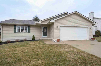 Washtenaw County Single Family Home Contingent - Financing: 1474 Middlewood Dr