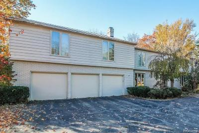 Single Family Home For Sale: 19107 Chelton Dr