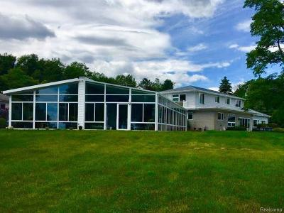 Single Family Home For Sale: 3590 N Lakeshore Rd