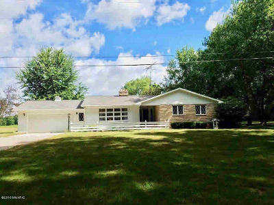 Albion Single Family Home For Sale: 14300 W Michigan Ave
