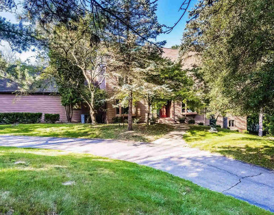 Ann Arbor Single Family Home Contingent - Financing: 5765 Woodridge Ct