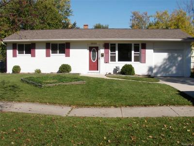 Lansing Single Family Home For Sale: 3622 Sumpter St