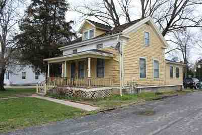 Single Family Home For Sale: 506 W Adrian
