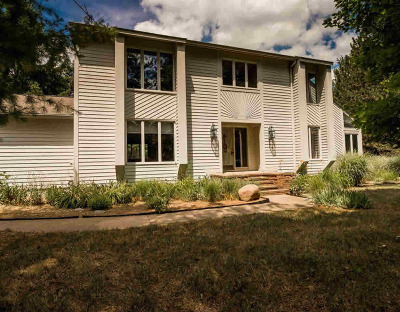 Washtenaw County Single Family Home For Sale: 5975 Fox Hollow Ct