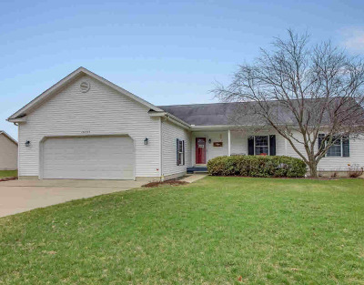 Single Family Home For Sale: 10285 Lee Rd