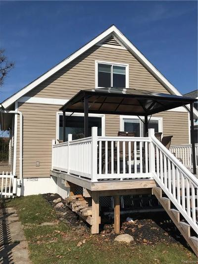 Single Family Home For Sale: 2751 Round Lake