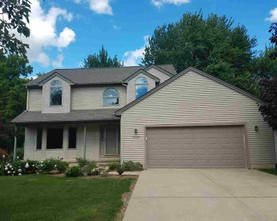 Washtenaw County Single Family Home Contingent - Financing: 2062 Wildwood Trl