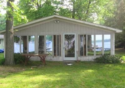 Single Family Home For Sale: 11180 Algonquin