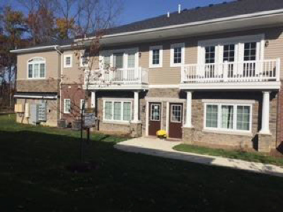 Washtenaw County Condo/Townhouse For Sale: 5532 Arbor Chase Dr