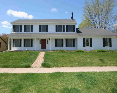 Washtenaw County Single Family Home Contingent - Financing: 450 Dunnington Dr