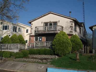 Single Family Home For Sale: 6230 Dexter Lane