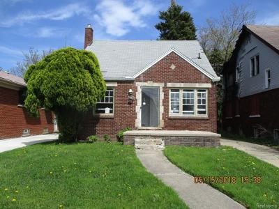 Single Family Home For Sale: 19136 Hickory St