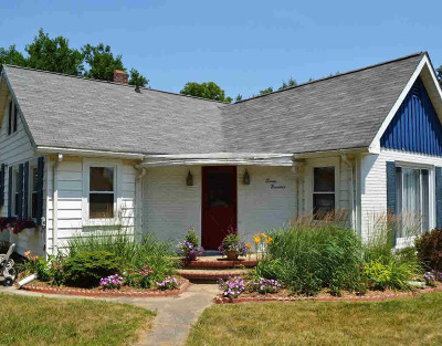 Stockbridge Single Family Home Contingent - Financing: 700 E Main St