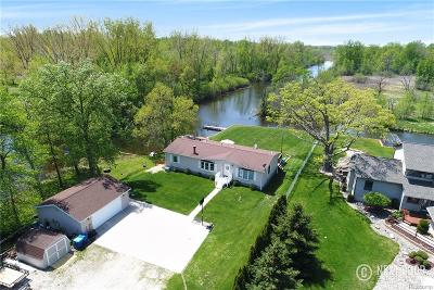 Single Family Home For Sale: 13554 North Road Rd