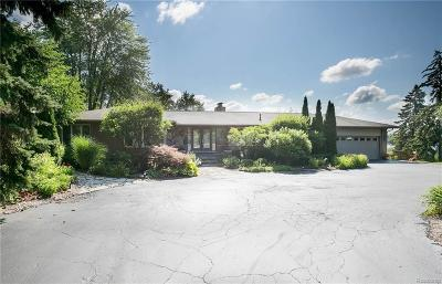 Single Family Home For Sale: 2741 Middlebelt Rd