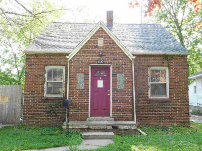Single Family Home For Sale: 1630 Delaware