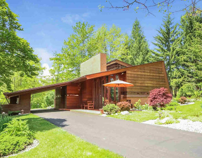 Ann Arbor Single Family Home For Sale: 3935 Holden Dr