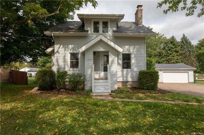 Lansing Single Family Home For Sale: 3110 Delta River Dr